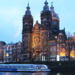 Crucero con pizza por los canales de Ámsterdam