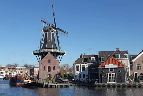 De Adriaan (Haarlem)