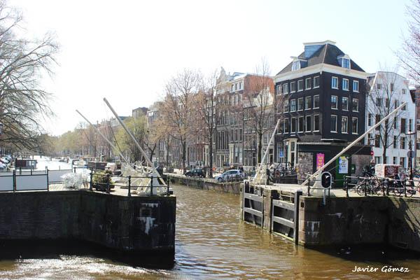 Amsterdam 2 - canal Singel