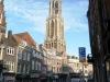 La Torre Dom desde un canal de Utrecht