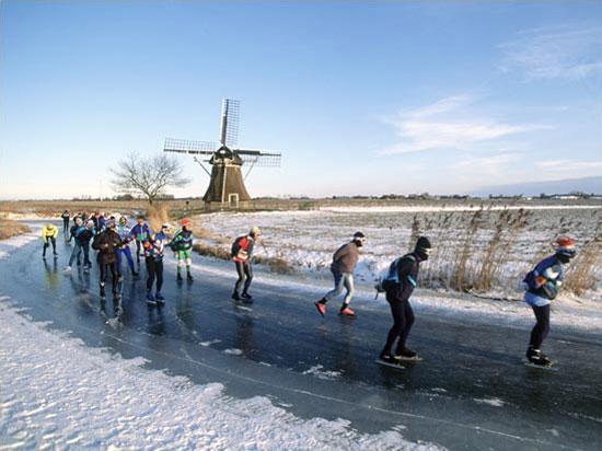Patinar en Frisia Holanda