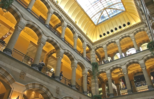Amsterdam el centro comercial magna plaza for Hoteles en el centro de amsterdam
