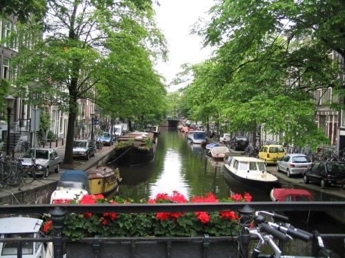 Canal de Ámsterdam, capital holanda