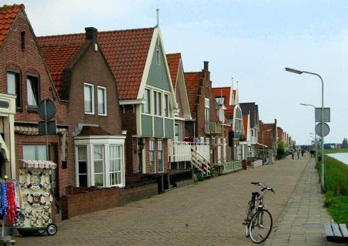 Volendam, Circulo Dorado, Mar del Sur