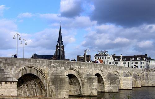 Puente de Maastricht