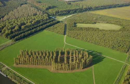 La catedral verde y un jardin artístico en Almere
