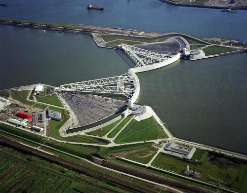 Maeslantkering, Rotterdam