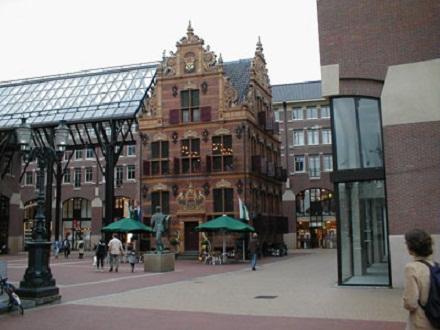 Las bellas plazas de La Haya