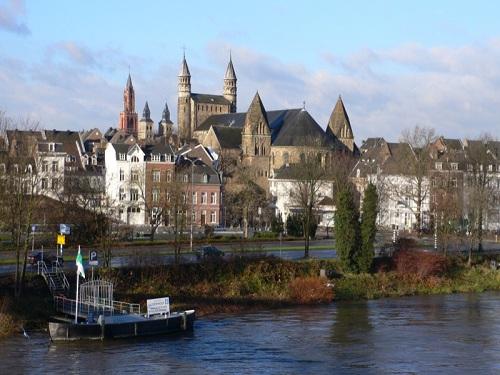 La fortaleza y las cuevas de San Pedro en Maastricht