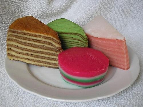 Spekkoek, pastel holandés para desayunar