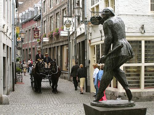 Stokstraat, calle de las compras en Maastricht